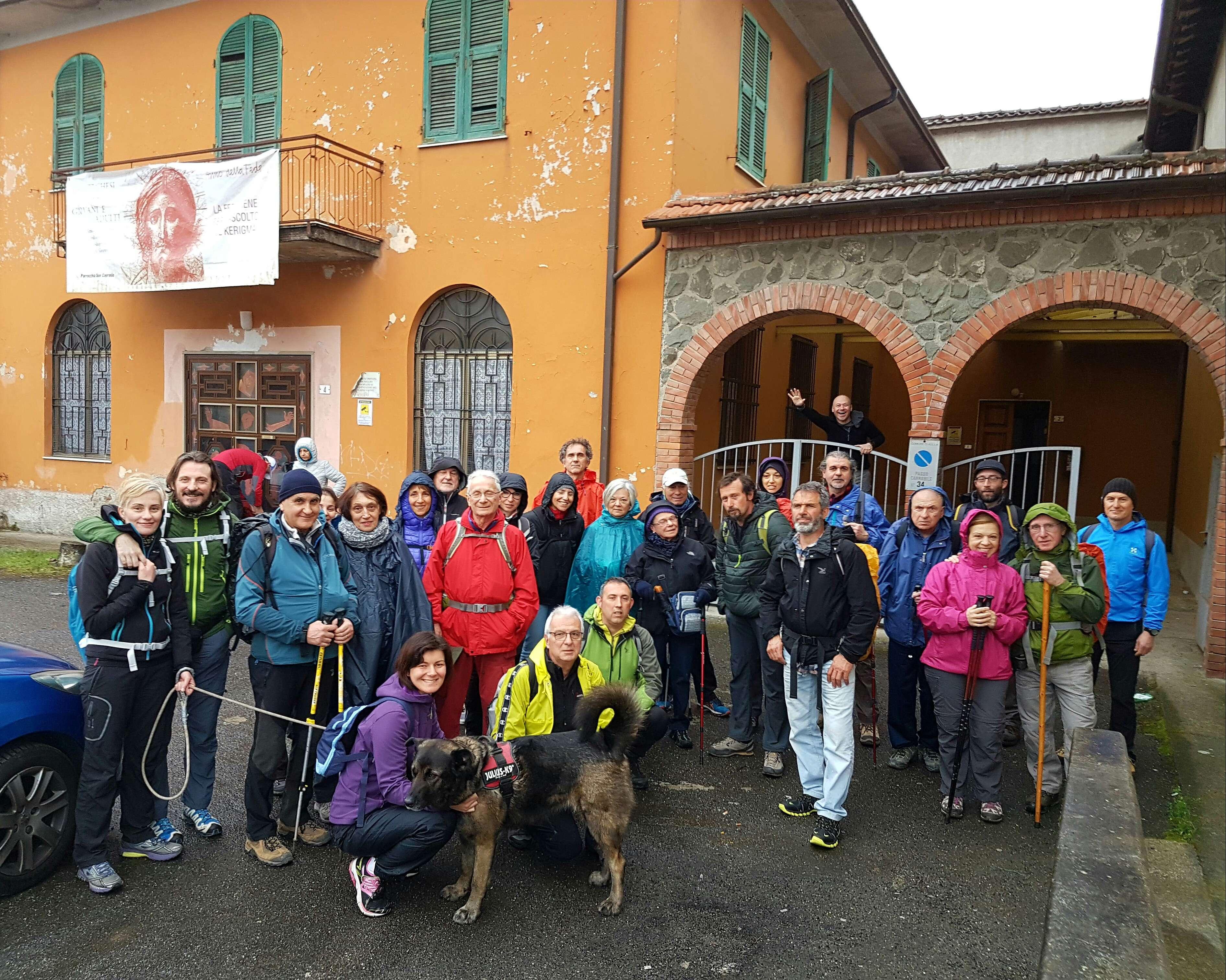 Incontro di pellegrini ad Aulla sulla Via Francigena organizzato dall'Associazione Camminando sulla Via Francigena